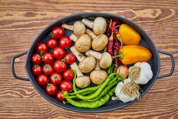 Illustrasjonsbilde av en gryte med grønnsaker
